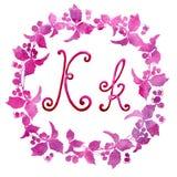 Lettera K di alfabeto inglese, isolata su un fondo bianco, nel telaio elegante, scritto a mano Illustrazione dell'acquerello Per  royalty illustrazione gratis