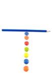 Lettera T fatta degli smarties colorati Fotografia Stock