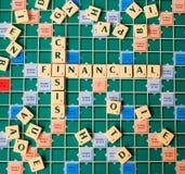 Lettere che formano la crisi finanziaria di parole Fotografie Stock Libere da Diritti