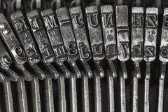 Lettere d'annata della macchina da scrivere fotografia stock libera da diritti