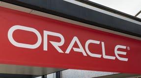 Lettere di Oracle su una costruzione Immagine Stock