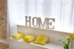 Lettere domestiche del segno nell'interno Fotografie Stock Libere da Diritti