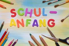 Lettere variopinte, parola tedesca, inizio della scuola di concetto fotografia stock libera da diritti