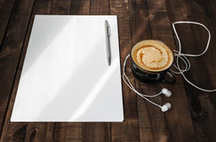Letterhead, kawa, hełmofony, pióro Obrazy Stock