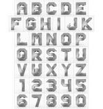 Letters en getallen 3d kubiek die metaal op wit wordt geïsoleerd Stock Foto