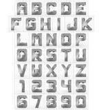 Letters en getallen 3d kubiek rond gemaakt die metaal op wit wordt geïsoleerd Stock Illustratie
