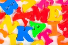 letters mångfärgat Arkivbild