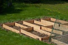 Letti del giardino che si avvicinano al completamento Fotografie Stock Libere da Diritti
