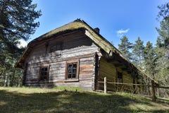 Lettisches ethnographisches Freiluftmuseum in Riga Stockbilder