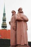 Lettisches Riflemendenkmal. Riga, Lettland lizenzfreie stockfotos
