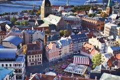 Lettland: Birdseye-Ansicht von Riga lizenzfreie stockfotos