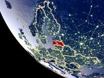 Lettland vom Raum auf Erde stockfoto