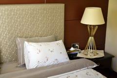 Letto dell'hotel Fotografia Stock Libera da Diritti