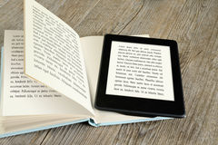 Lettore del libro elettronico immagine stock libera da diritti