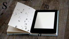 Lettore del libro elettronico royalty illustrazione gratis