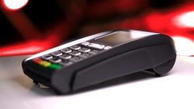 Lettore della carta di credito con la carta passata illustrazione 3D Fotografie Stock