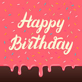 Lettrage de main de joyeux anniversaire sur le fond de lustre de gâteau Photo stock