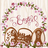 Lettrage heureux de Pâques, pain d'épice sous forme d'oeufs Vacances de ressort, fond de Pâques Photos libres de droits