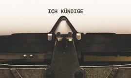 Lettre allemande d'annulation dans la machine à écrire de vintage photographie stock libre de droits