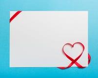 Lettre avec le coeur de ruban Amour Image libre de droits