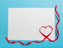 Lettre avec le coeur de ruban Amour Photographie stock libre de droits