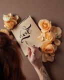 Lettre d'amour avec des roses Image libre de droits