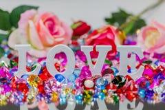 lettre d'amour blanche à l'intérieur des diamants colorés Image libre de droits