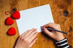 Lettre d'amour d'écriture de femme Images stock