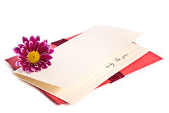 Lettre d'amour et une fleur Image stock
