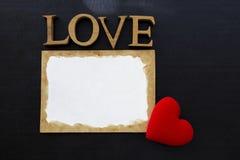 Lettre d'amour sur le fond noir Photos libres de droits