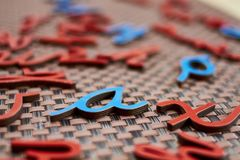 Lettres bleues et rouges aléatoires Images libres de droits