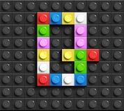 Lettres colorées G d'alphabet des briques de lego de bâtiment sur le fond noir de brique de lego Fond de Lego lettres 3D illustration stock