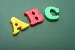 Lettres d'alphabet sur un tableau Photos libres de droits