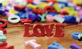 Lettres d'amour en bois Photo stock