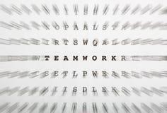 Lettres de mots croisé, foyer sur le travail d'équipe de mot image stock