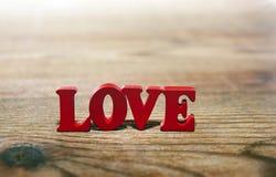 Lettres de rouge d'amour Photographie stock