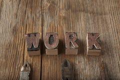 Lettres de travail et outils rustiques Image libre de droits