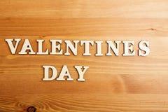 Lettres en bois de jour de valentines Photo stock