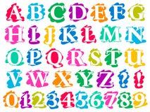 Lettres et chiffres d'alphabet d'éclaboussure de griffonnage de couleur illustration stock