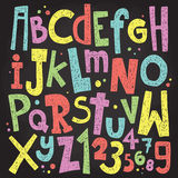 Lettres et nombres colorés de panneau de craie Paquet grunge de vecteur d'alphabet de vintage Photographie stock