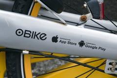 Lettres sur une bicyclette à Rotterdam image stock