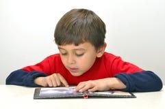 Lettura del bambino Fotografia Stock