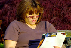 Lettura della donna Fotografia Stock Libera da Diritti