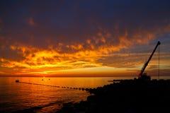 Letzte Momente eines industriellen Sonnenuntergangs Lizenzfreie Stockbilder