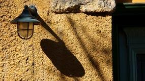 Letztes Jahrhundert Straßenweinlese Lampe stockfotos