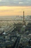 Letztes Licht, das den Eiffel berührt Stockbilder