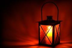 Leuchte in der Dunkelheit Stockbild