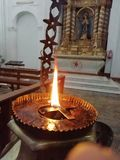 Leuchte in der Kirche lizenzfreie stockfotografie
