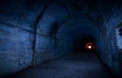 Leuchte im Tunnel Stockbilder