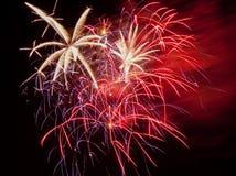 Leuchtende Feuerwerke Stockfotografie